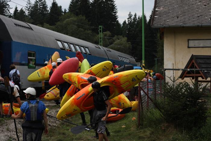Train shuttle at devil's race